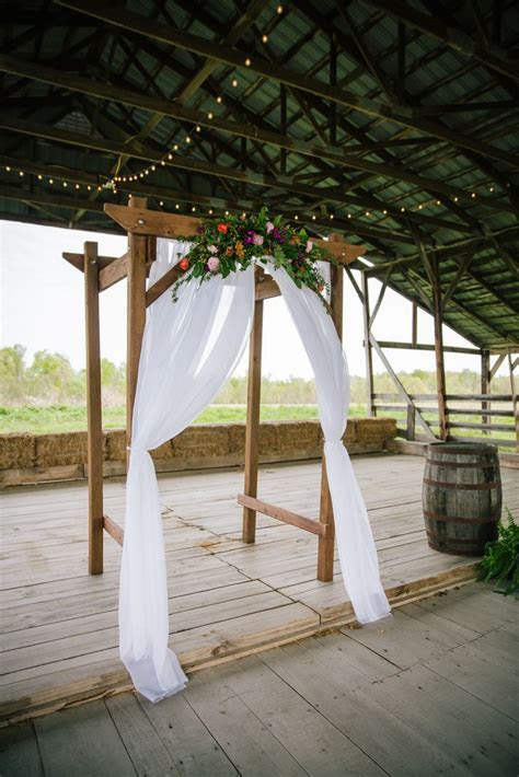 1000  ideas about Country Wedding Arches on Pinterest