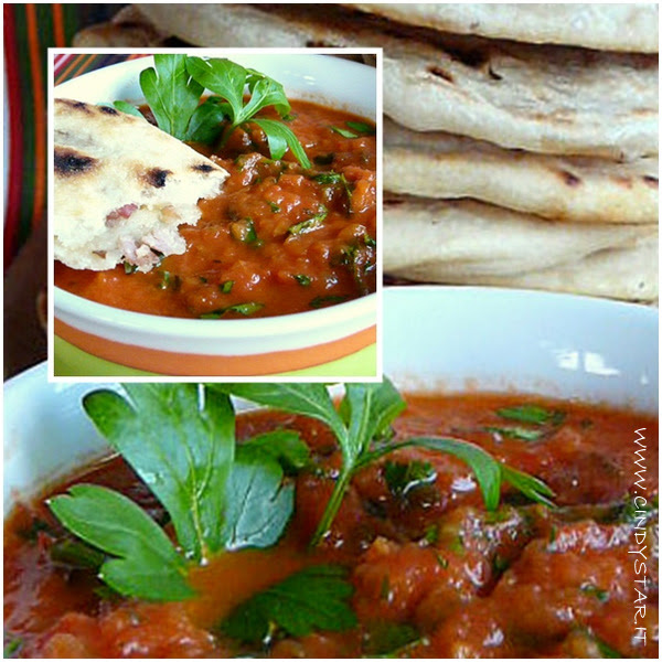 pupusas e salsa roja