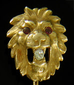 Lion and diamond stickpin. (J9188)