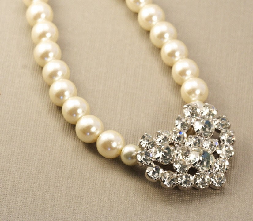 Cream Pearl and Rhinestone Necklace