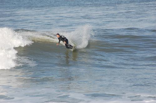 4surfing5.jpg