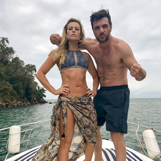 Paolla Oliveira em foto no Instagram (Foto: reprodução)
