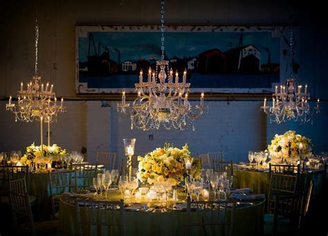 10 Hanging Reception Flowers Decor Ideas   Prospect Flowers