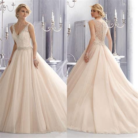 2015 New design Elegant Ball Gown V neck Zipper Lace Ivory