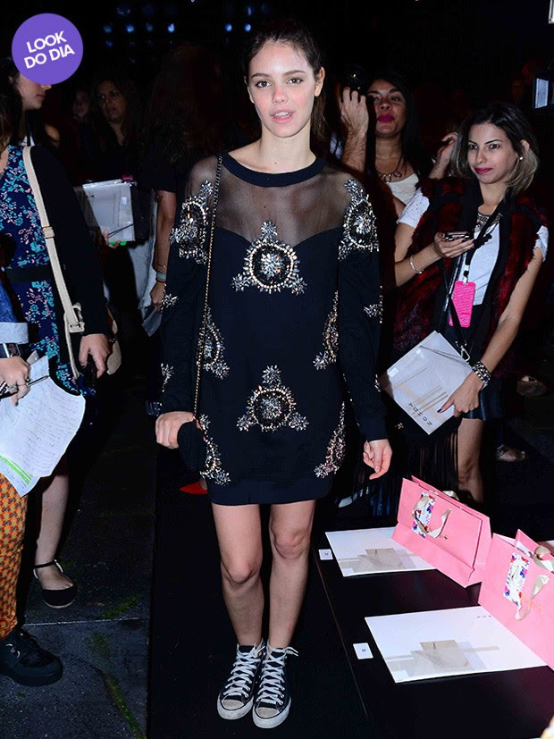 Look do dia - Laura Neiva (Foto: Leo Franco / AgNews)