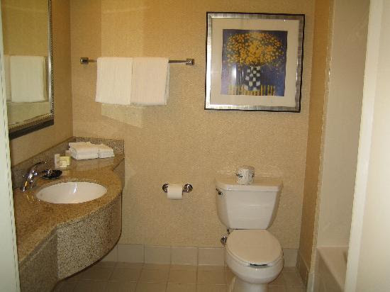 Clean bathroom - Picture of Courtyard Foothill Ranch Irvine East ...
