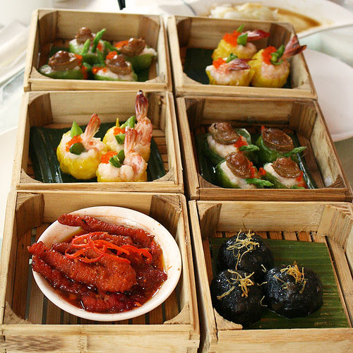 The first restaurant I've seen to use square boxes for steaming dim sum