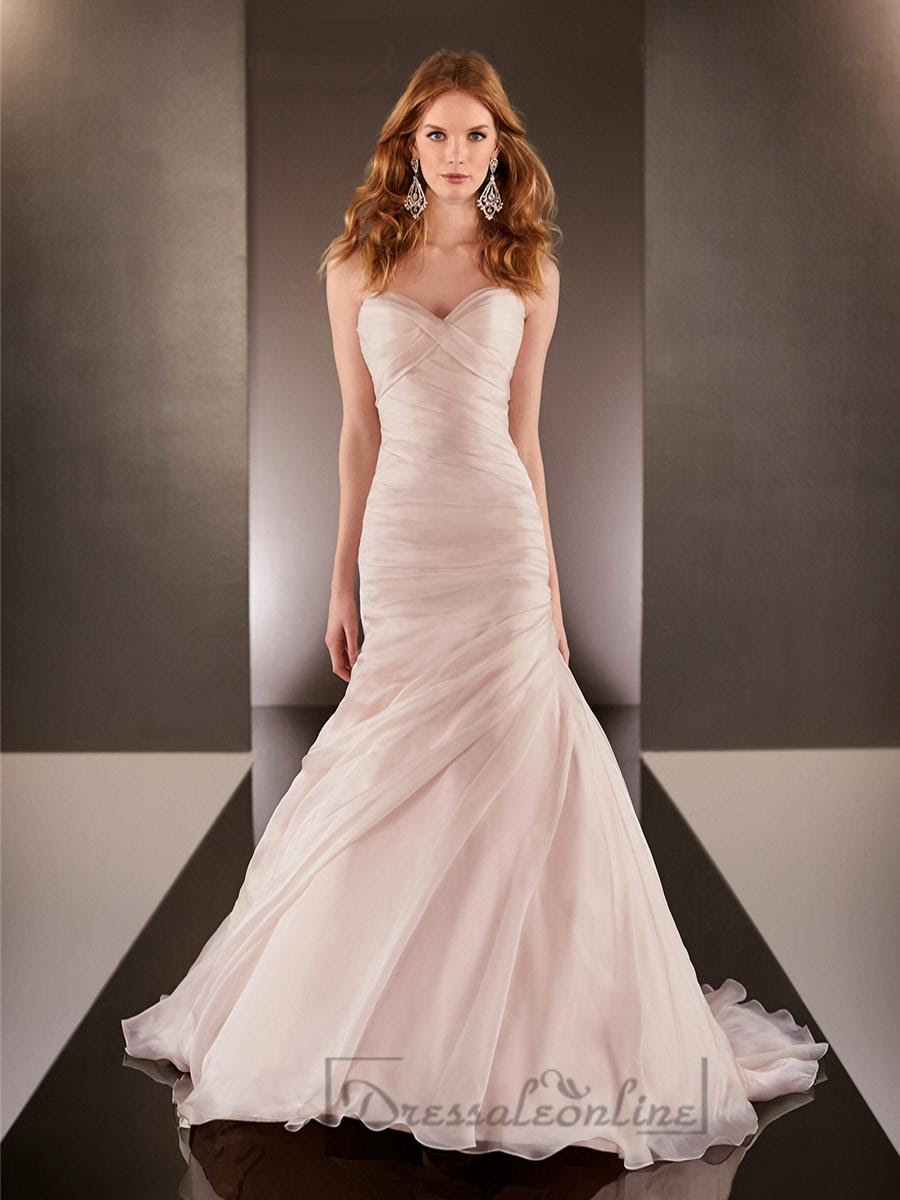 Download Sweetheart Neckline Ruched Bodice Wedding Dress PNG