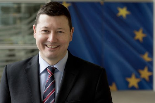 Dutch MEPs welcome probe into controversial civil servant appointment - DutchNews.nl
