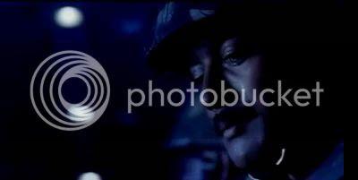 http://img.photobucket.com/albums/v252/BollyNuts/Vaaranam%20Aayiram/53.jpg