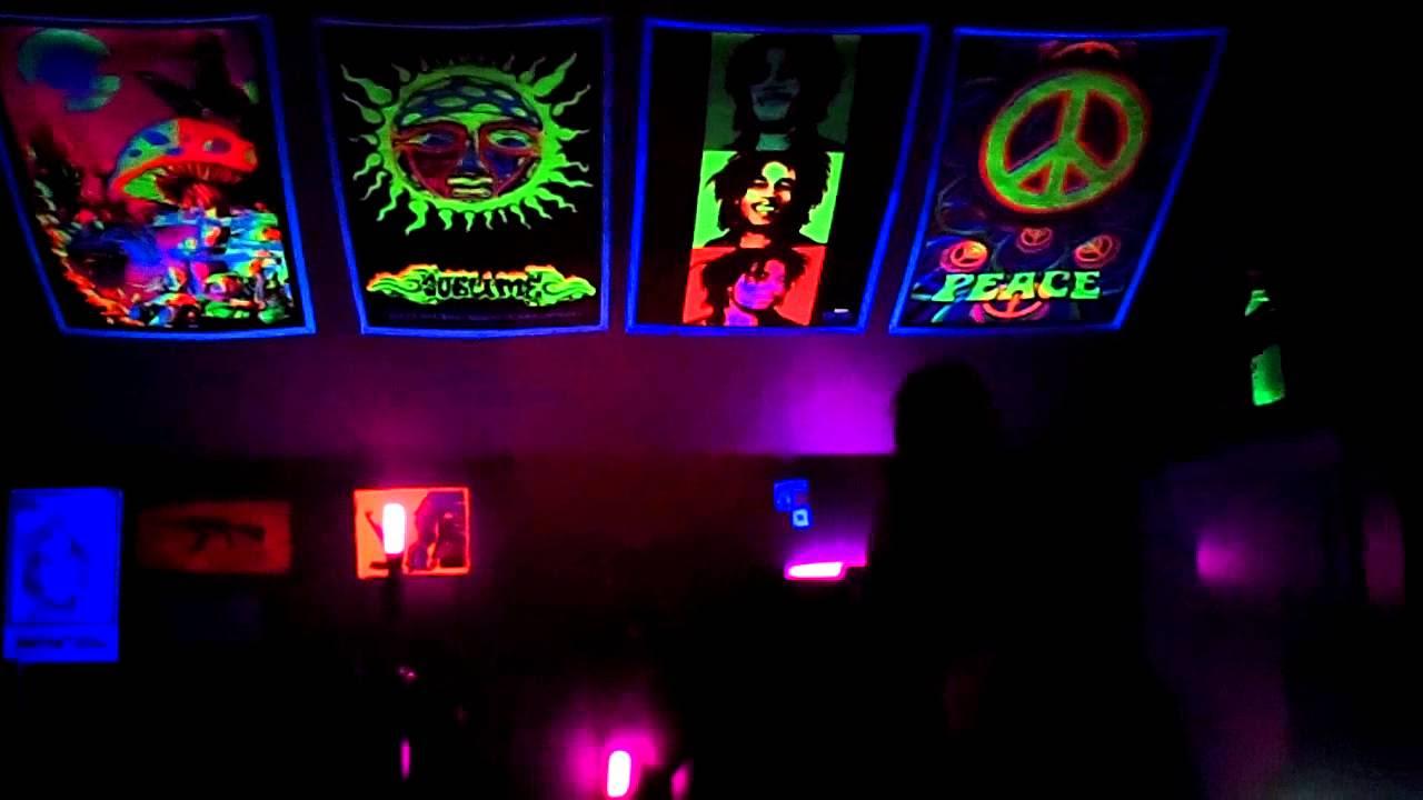 Black light room!! - YouTube