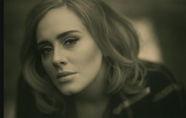 Adele no clipe do single 'Hello' (Foto: Divulgação)