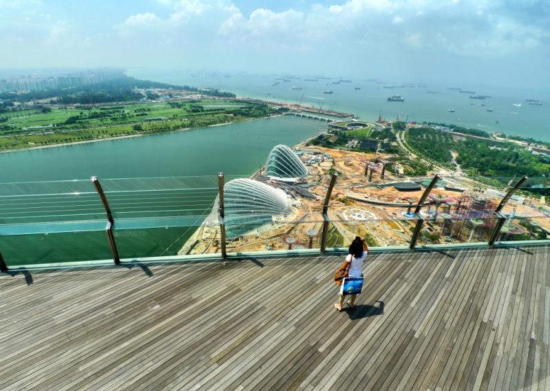 Гостиница в Сингапуре с бассейном на крыше. Marina Bay Sands. Фото