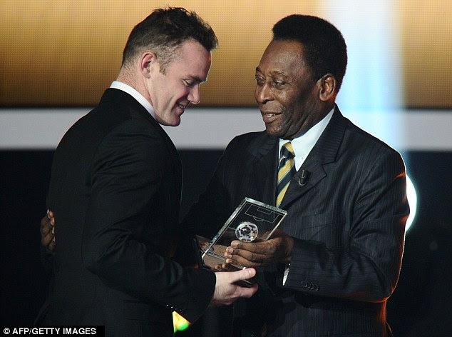 Cabelo grande: Rooney recebe do Brasil a lenda do futebol Pelé da FIFA / FIFPro prêmio World XI