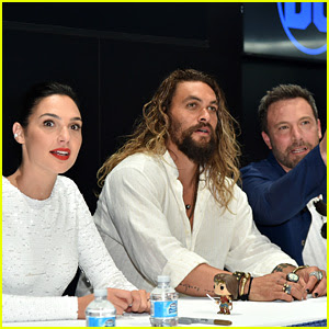 Gal Gadot, Ben Affleck, & 'Justice League' Cast Meet Fans at Comic-Con After Their Panel!