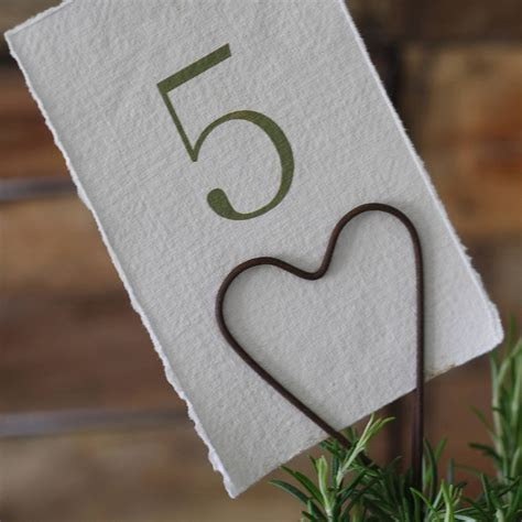 heart table card holder by the wedding of my dreams