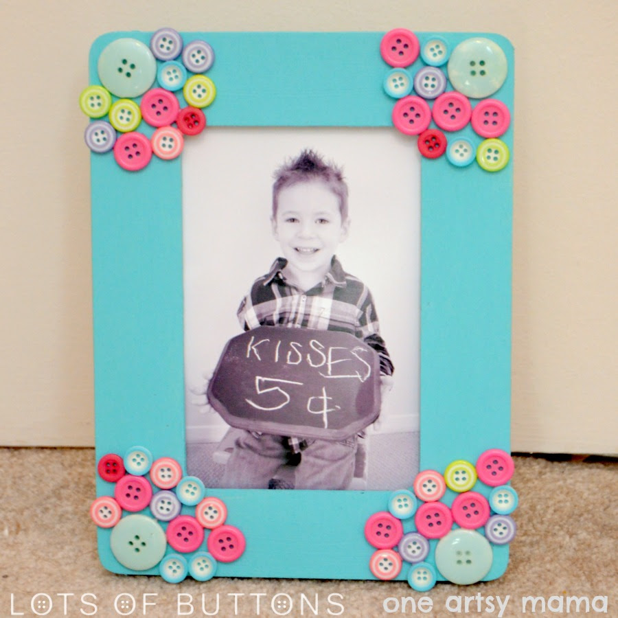Mothers Day Button Photo Frame From One Artsy Mama Diy Crafts