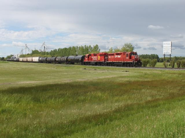 CP 1128 and 3028 in Winnipeg