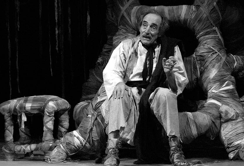 Walter Reyno en la obra El herrero y la muerte. Foto: Amílcar Persichetti