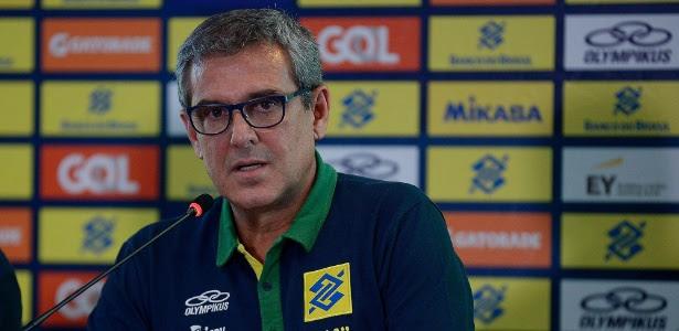 Zé Roberto Guimarães durante convocação da seleção brasileira de vôlei para Rio-16