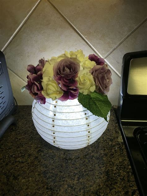 Paper lanterns centerpiece.    wedding   Pinterest
