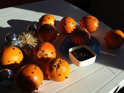 oranges piquées.jpg