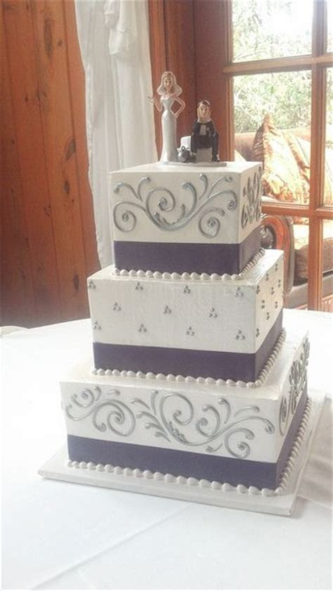 Best 25  Square wedding cakes ideas on Pinterest