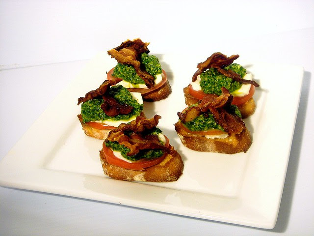 Caprese Bruschetta with Spinach Pesto and Bacon