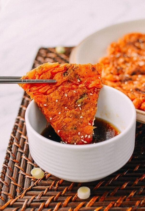 Hasil gambar untuk kimchi buchimgae