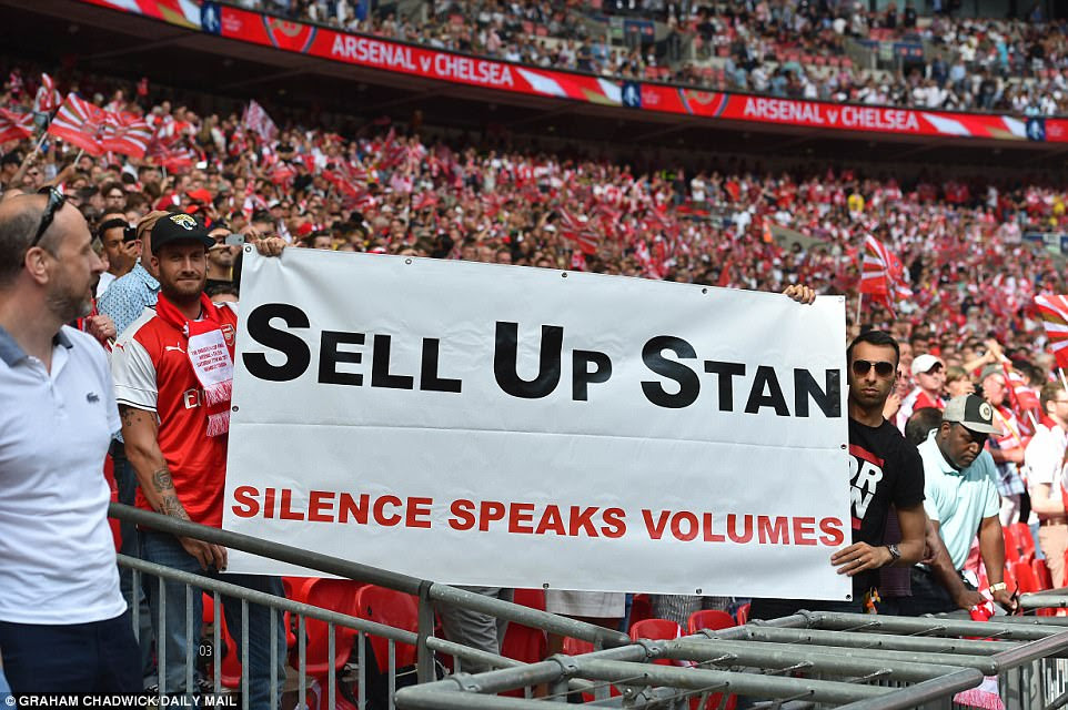 Despite making the FA Cup final, yet again the Gunners' supporters did not miss an opportunity to protest and raise banners