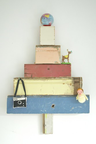 wood & wool pet x-mas tree by wood & wool stool