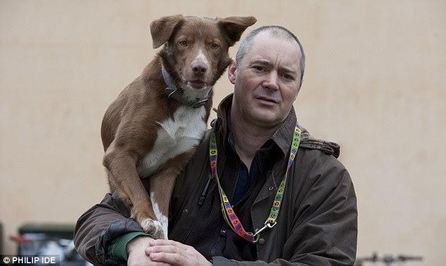 Nick Johnson e seu cão Ossy tomaram a internet pela tempestade