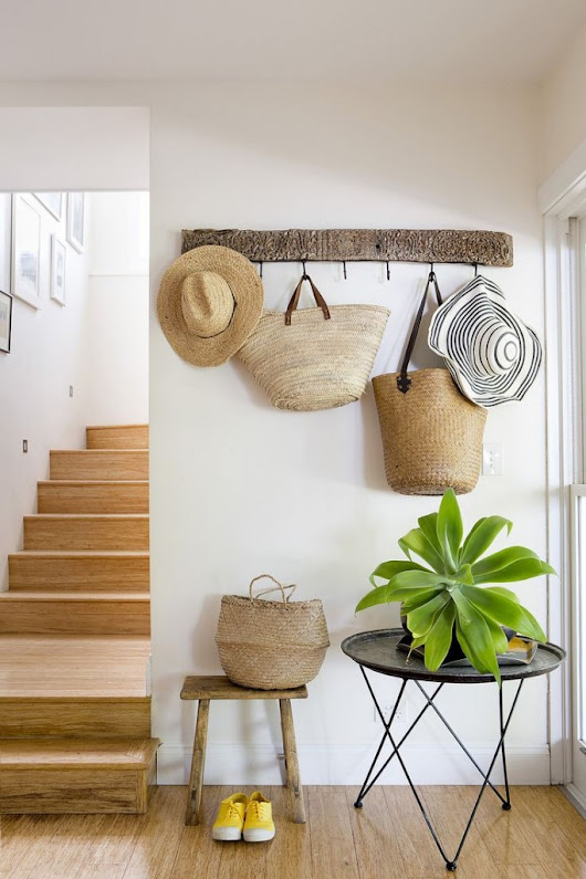 Chicdeco blog |   Decorating With Straw Hats, Bags And Baskets