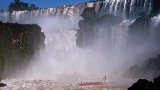 Resultado de imagen para Las Cataratas del Iguazú recibirán una inversión de alrededor de 100 millones de pesos para mejorar su infraestructura