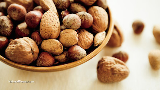 Eating nuts daily reduces prostate cancer death rates by 33 percent