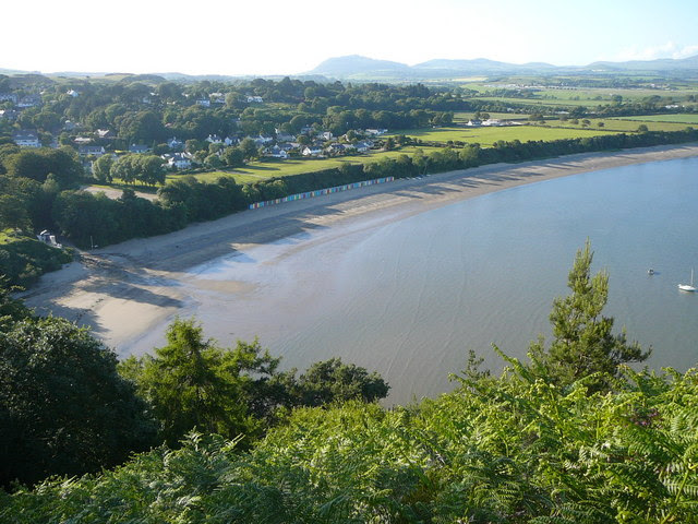 File:The beach at Llanbedrog - geograph.org.uk - 1634597.jpg