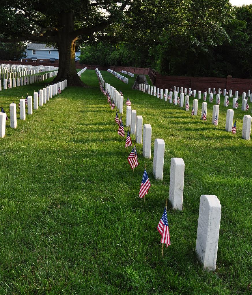 Hampton National Cemetery - Memorial Day 2010 (4)