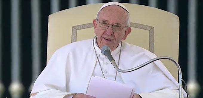 Papa Francisco: el matrimonio no es «mientras dure el amor» sino «para siempre»