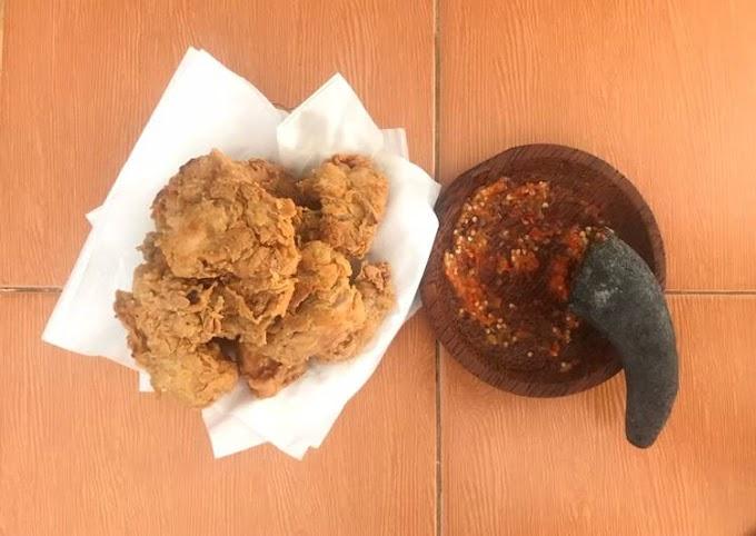 Resep Ayam geprek sambal bawang yang Bisa Manjain Lidah