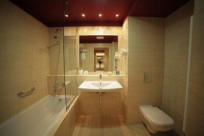 Łazienka w Hotelu Castle Garden Budapeszt na Zamku Królewskim