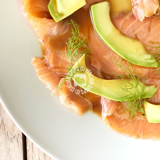 Salmone Affumicato con Avocado- Un Fresco Antipasto · Italianchips