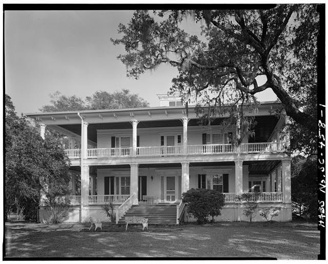 1.  GENERAL VIEW; SOUTH (FRONT) ELEVATION - The Oaks, 100 Laurens Street, Beaufort, Beaufort County, SC