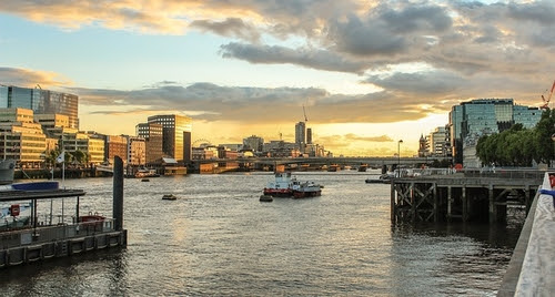 London's waterfront properties continue to command premium (via Passle)