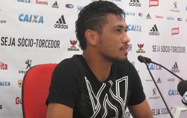 Hernane coletiva Flamengo (Foto: Thales Soares)