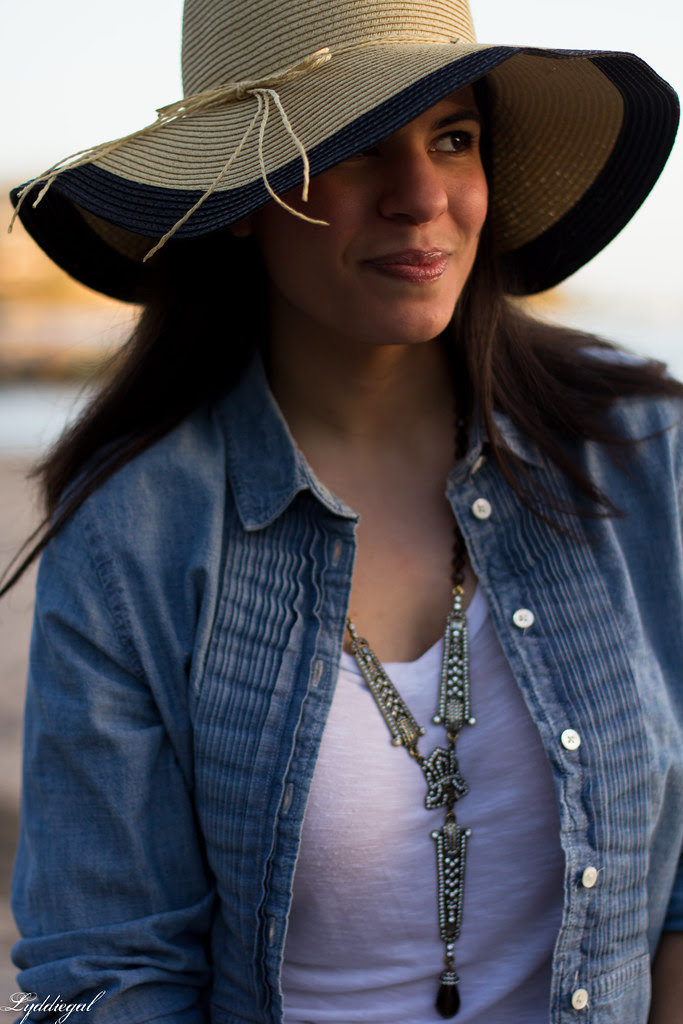the floppy hat-5.jpg
