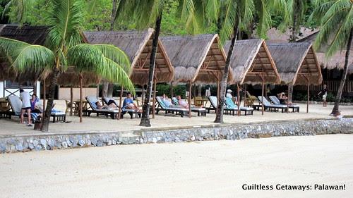 el-nido-resorts-cabana-tourists