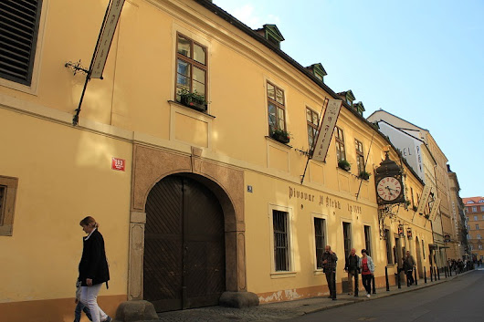 Things to eat in Prague: best bars and pubs - Hotel BoHo Prague Blog