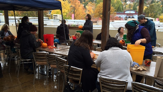 Pumpkin carving a hit at Standing Stone