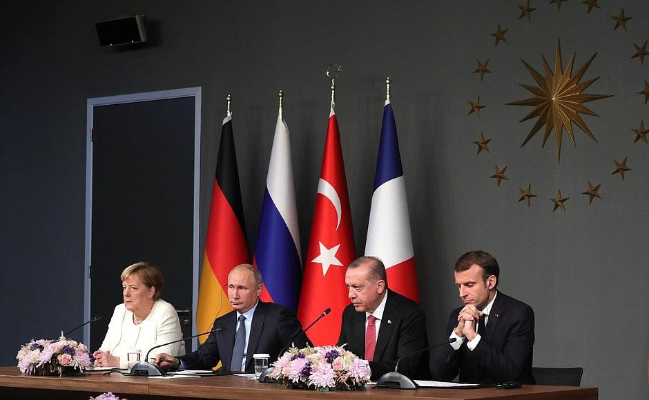 Conferenza stampa dopo l'incontro dei leader di Russia, Turchia, Germania e Francia.