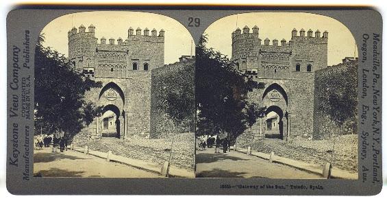 Fotografia estereoscópica de la Puerta del Sol en el siglo XIX de la casa Keystone